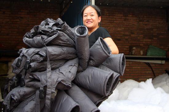 大王镇北六村80%以上村民从事服装行业。
