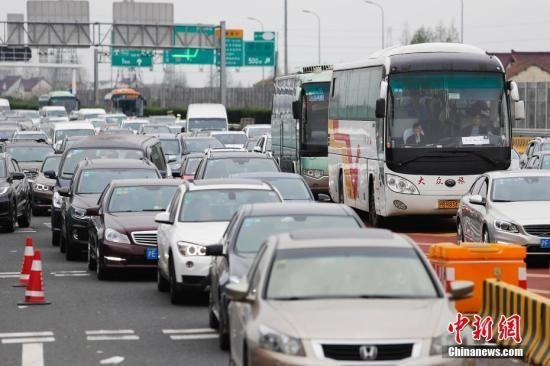 资料图:高速路。 殷立勤 摄