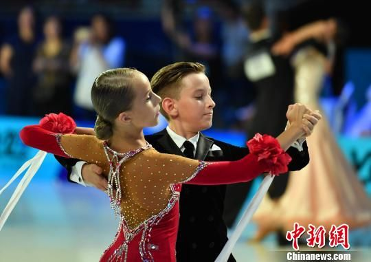 图为比赛现场的外国小舞者。 翟羽佳 摄