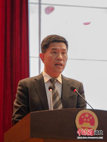 枣强县常务副县长文健致推介辞。 崔志平 摄