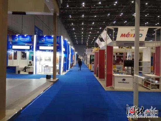 首届中国国际进口博览会将于11月5日在上海开幕。11月4日,各项准备工作已经基本就绪。 记者曹智 贡宪云 张昊摄