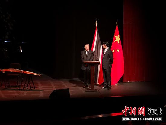 翟玉虎副厅长向观众进行省情推介。 河北省文化和旅游厅供图