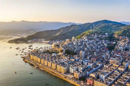 2019年6月15 日,位于福建省 连江县黄岐半岛 的山海运动小镇 正在建设中