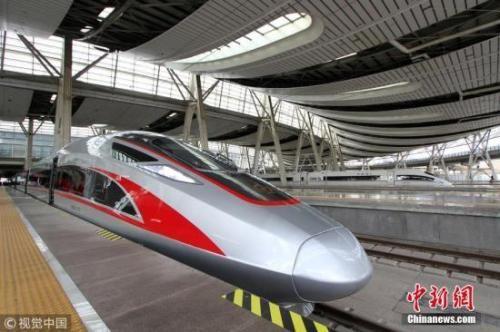 资料图:高铁 图片来源:视觉中国