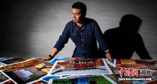 图为摄影师李辉。 李辉供图