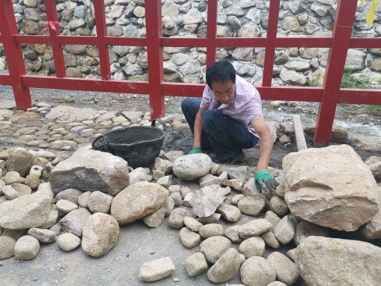 建设中的车谷砣村