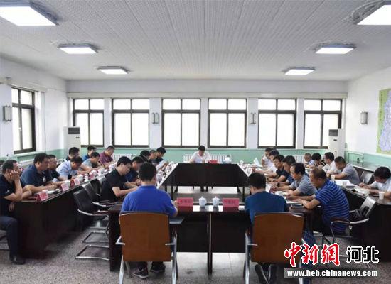 """卢龙县确立了应对第9号台风""""利奇马""""指挥部。 王辉 摄"""