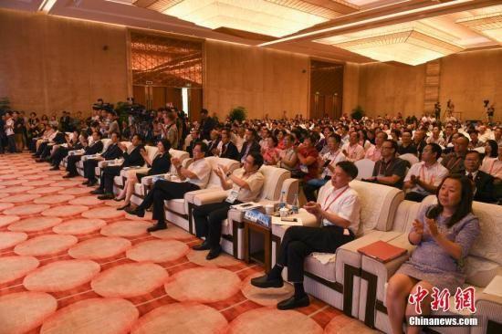 资料图:第九届世界华文传媒论坛在福州举行。中新社记者 崔楠 摄