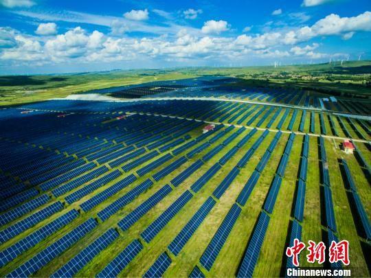 张家口市的新能源产业 张家口市委宣传部提供  摄