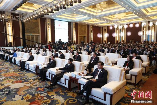 来自五大洲61个国家和地区的400多家华文媒体高层人士、中央主要新闻机构及国内有影响力媒体负责人等共600余位嘉宾参加论坛。韩海丹 摄