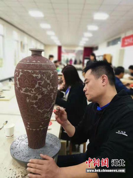 河北职工职业技能大赛陶瓷装饰工
