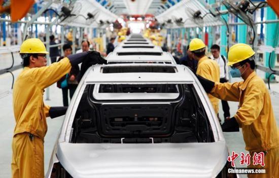 资料图:新能源汽车=全自动化生产线。 刘昌勇 摄