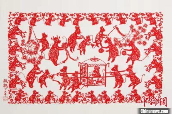 """图为参展的""""老鼠娶亲""""木版年画。河北博物院供图"""
