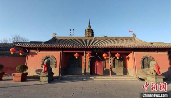 2月16日,正定县临济寺正门。中新社记者 王天译 摄