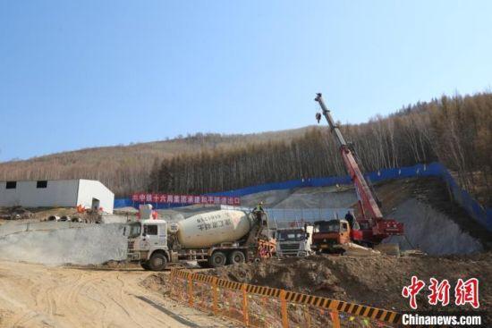 图为隧道建设现场。中铁十六局集团有限公司新建太锡铁路太子城项目经理部供图