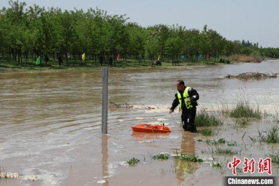 12日,永定河北京段实现全线通水。北京市水务局供图