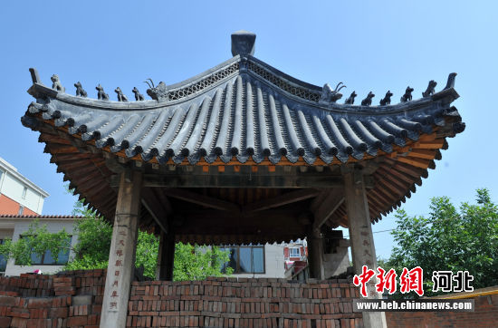 图为安州镇圣人殿凉亭。 韩冰 摄