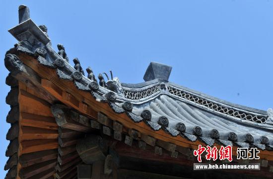 图为安州镇圣人殿凉亭局部。 韩冰 摄