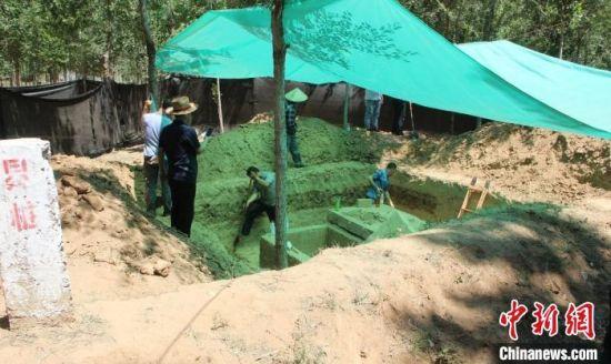 清河县油坊镇邵庄村发现的明代古墓。 张鹏翔 摄
