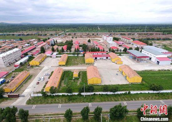 图为位于沽源县白土窑乡的北麦生态农业有限公司航拍图。 中新社发 张帆 摄