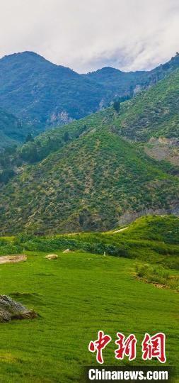 南湖村周边的山地环境如诗如画。 夏长江 摄