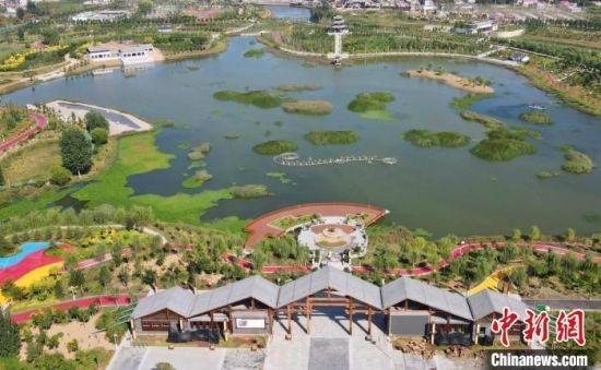 图为如意湖生态湿地公园。 赵飞飞 摄