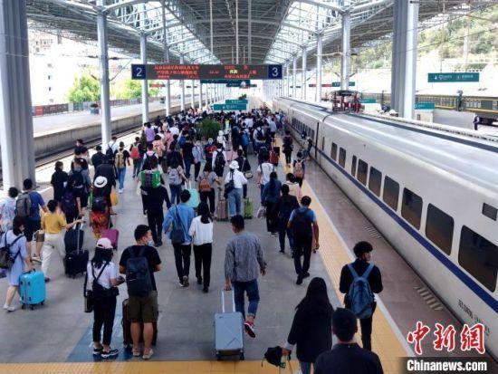资料图  中国铁路昆明局供图