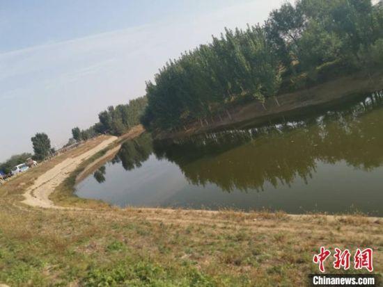 """图为被誉为中国大运河""""糯米大坝""""的""""华家口夯土险工""""。 张帆 摄"""
