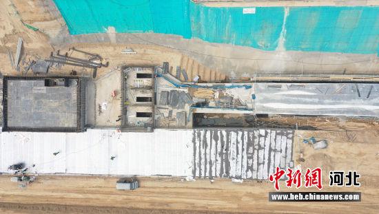 图为雄安新区容东片区综合管廊RDSG-4标段项目建设现场。 韩冰 摄