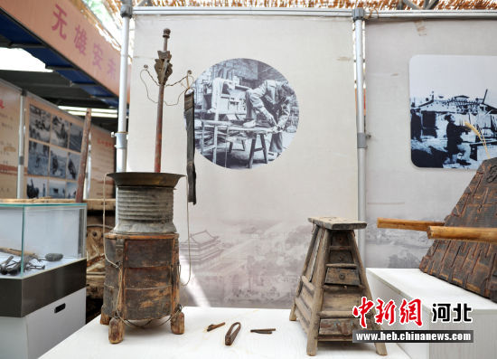"""图为""""杨福春渔耕记忆展览馆""""收藏的展品。 韩冰 摄"""