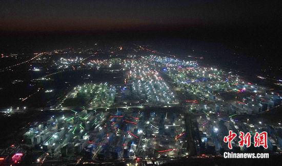 图为10月29日,航拍容东片区建设现场。 中新社记者 韩冰 摄