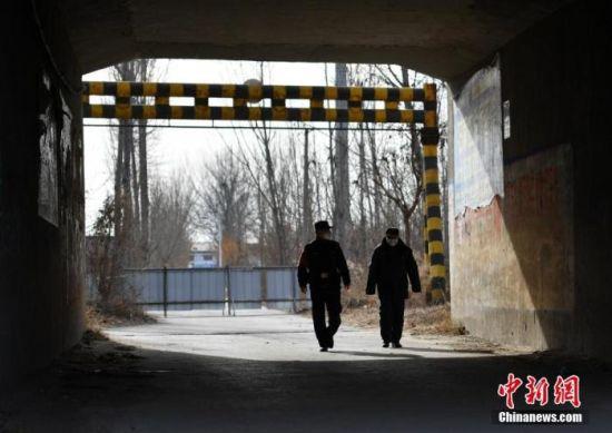 资料图为封闭数日的藁城增村镇。 中新社记者 翟羽佳 摄