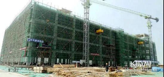 廊坊高新区盈东国际数据港项目建设现场。记者 祝雪娟 摄