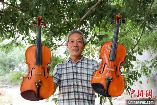 崔法晨制作的小提琴。 刘一鸣 摄