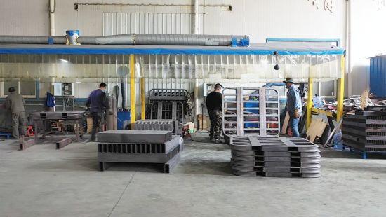 景�I机械设备有限公司车间内正在紧张生产中。 供图