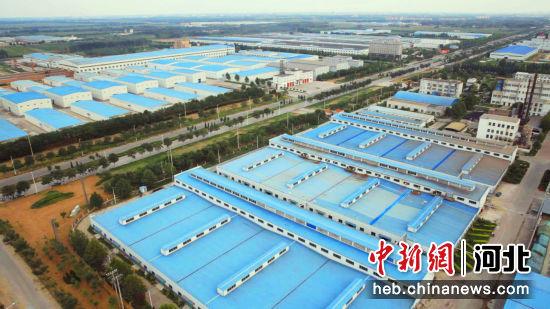 崛起的安平县高新技术产业开发区。 张佳 摄