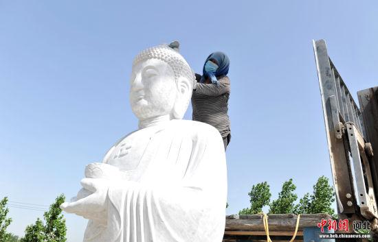 探訪中國仿古(gu)石雕文mu)  xiang) 產品(pin)行銷(xiao)全國
