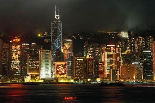 香港热爆!23个地点逾36度 赤�v角高达37.7度