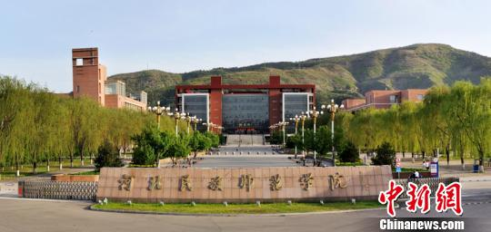 河北民族师范学院 张帆 摄-中国满族文化认同重新觉醒 濒危语言满语重